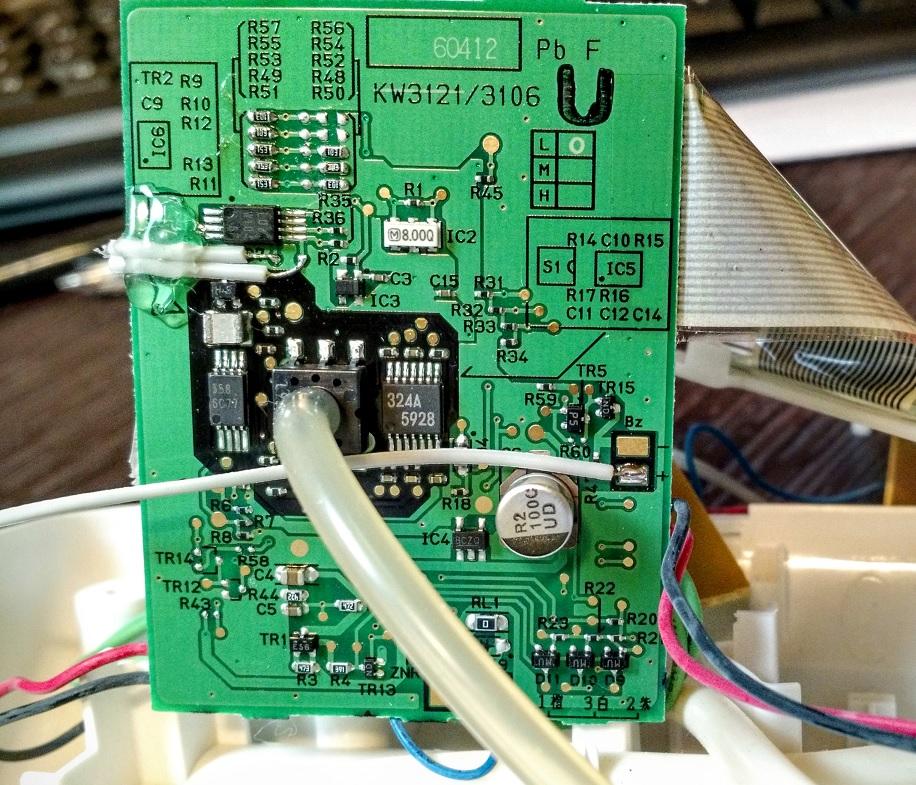 Hacking a Blood Pressure Monitor – Edu Steinhorst